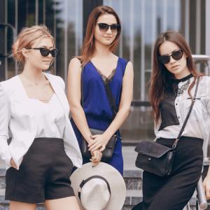 Fashion-stylish-ladies_Tile-default