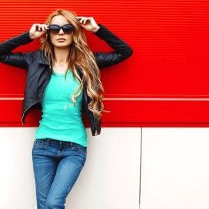 Fashion-bright-stylish-woman_Tile-default