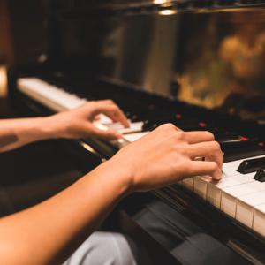 Lifestyle-piano_Tile-default