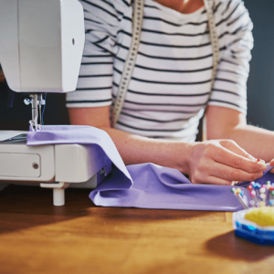 Lifestyle-sewing-machine_Tile-default