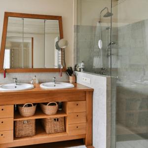 Services_Tile13-bathroom-home